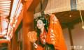 古城中的红衣汉服贵妇醉酒图,汉服摄影美图照片
